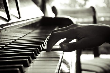 PIANO-FINGERS